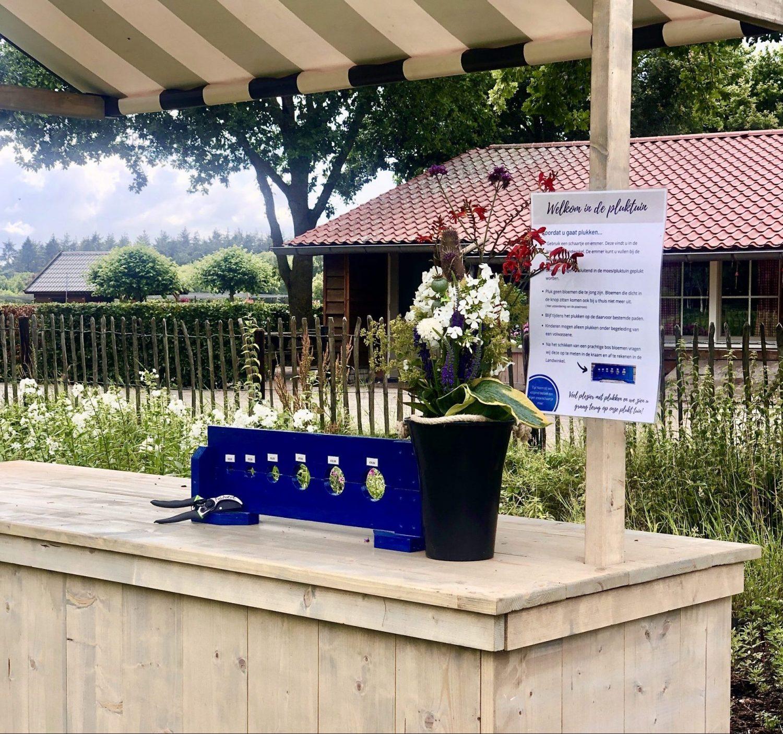 Bloemenkraam bij de pluktuin op de Eekhoeve in Veenendaal