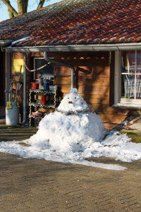 Sneeuwpop gemaakt door de deelnemers van zorgboerderij de Eekhoeve in Veenendaal