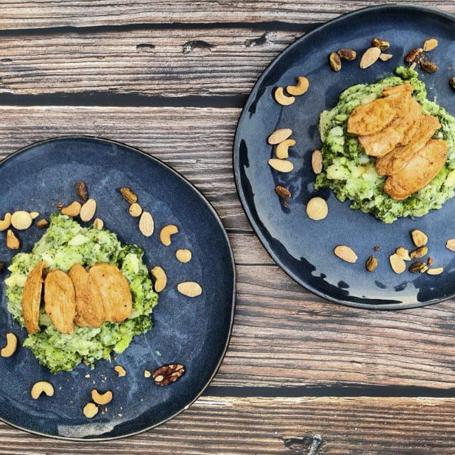 Broccoli stamppot met kip pesto